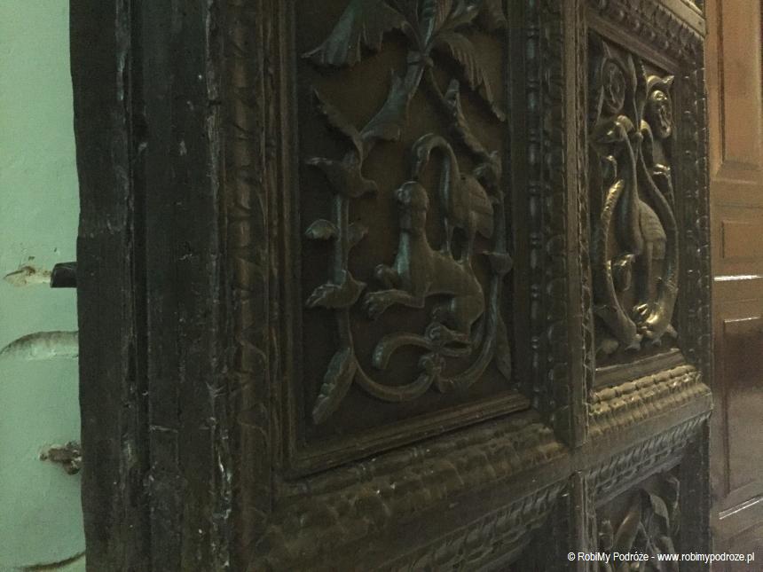 drzwi do zakrystii