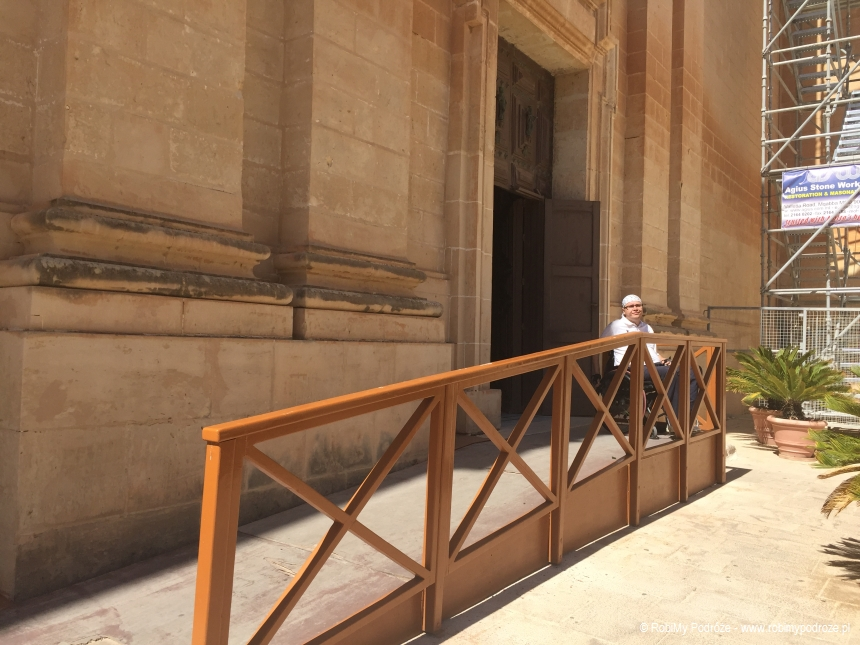 podjazd do katedry św. Pawła