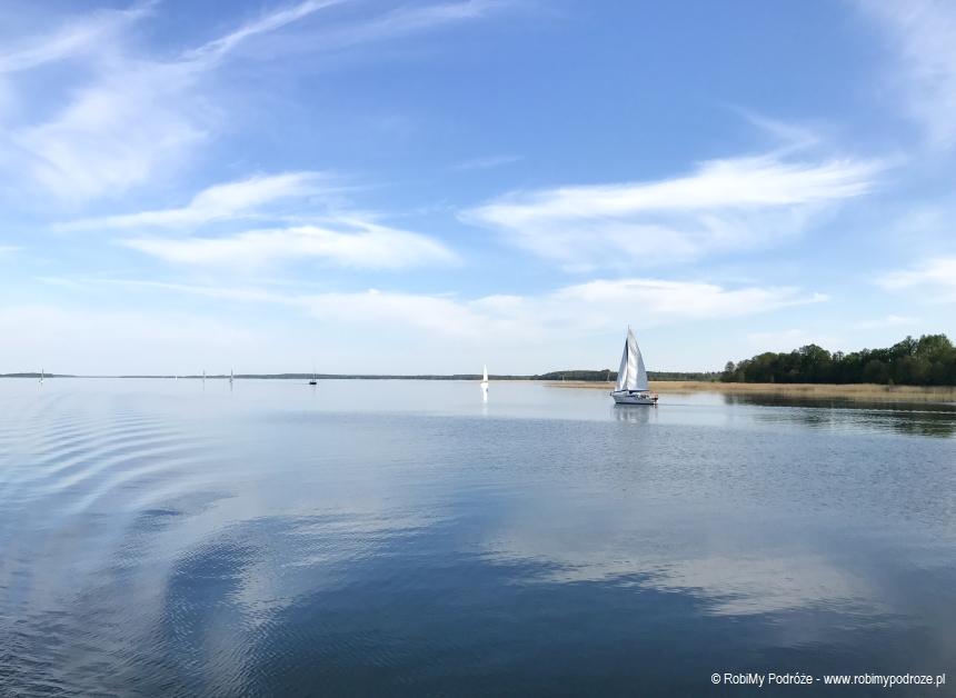 żaglówki na jeziorze Śniardwy