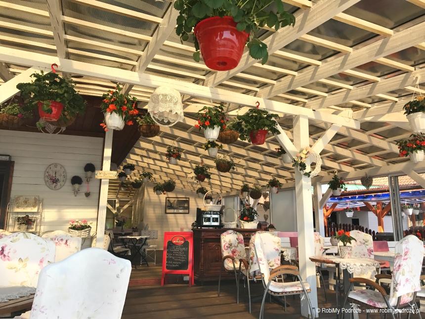 urlokliwa restauracja w Mikołajkach
