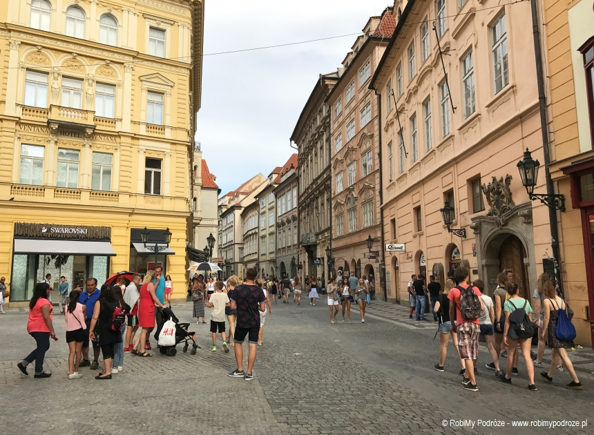 kamienice na ulicy Celetnej w Pradze