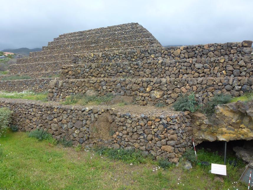 jaskinia Guanczów Piramides de Guimar