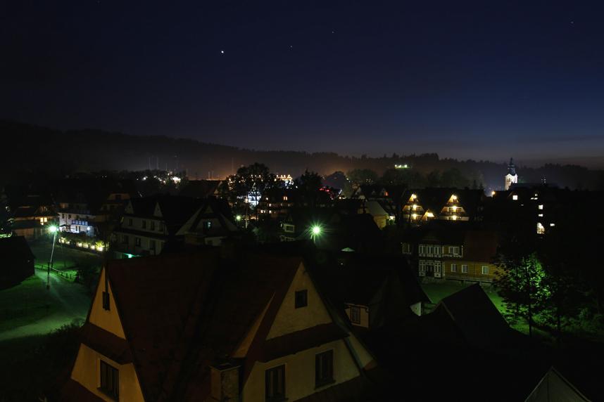 Białka Tatrzańska nocą