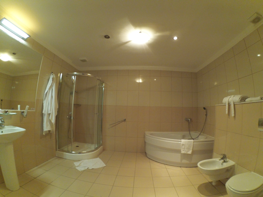 pokój superior hotel Navigator Kaliningrad łazienka