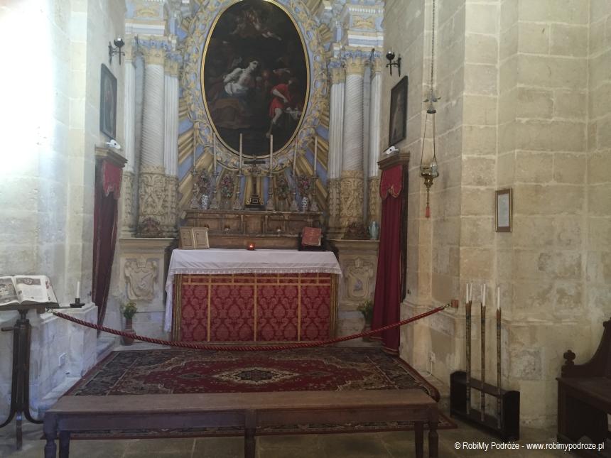 wnętrze katedry św.Agaty