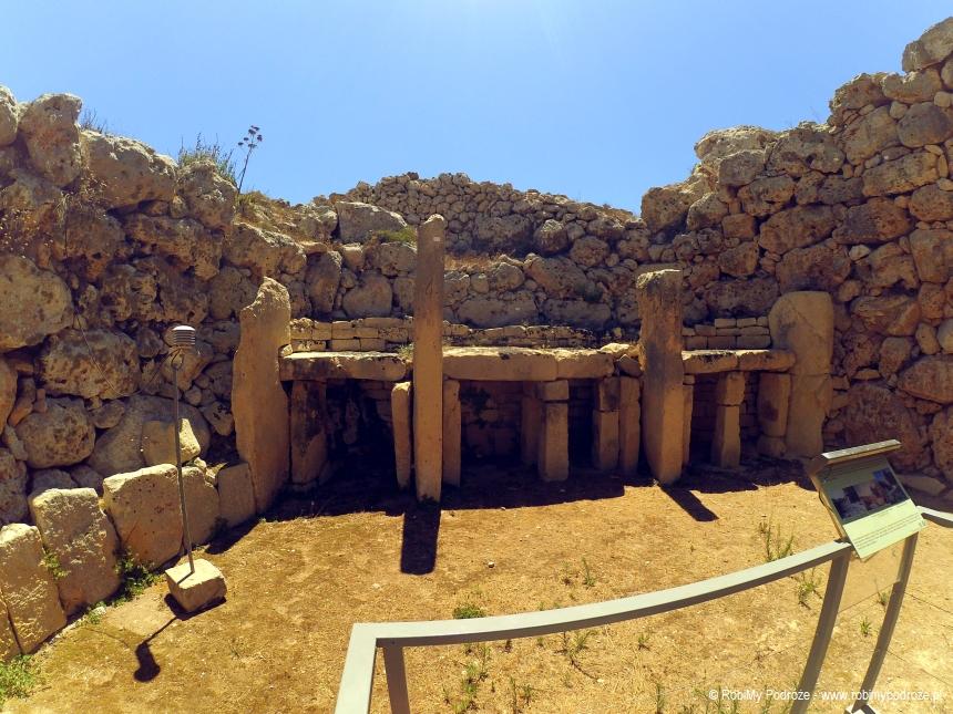 starsza świątynia Ggantija