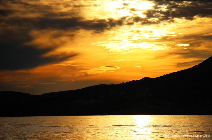Zachód słońca naplaży