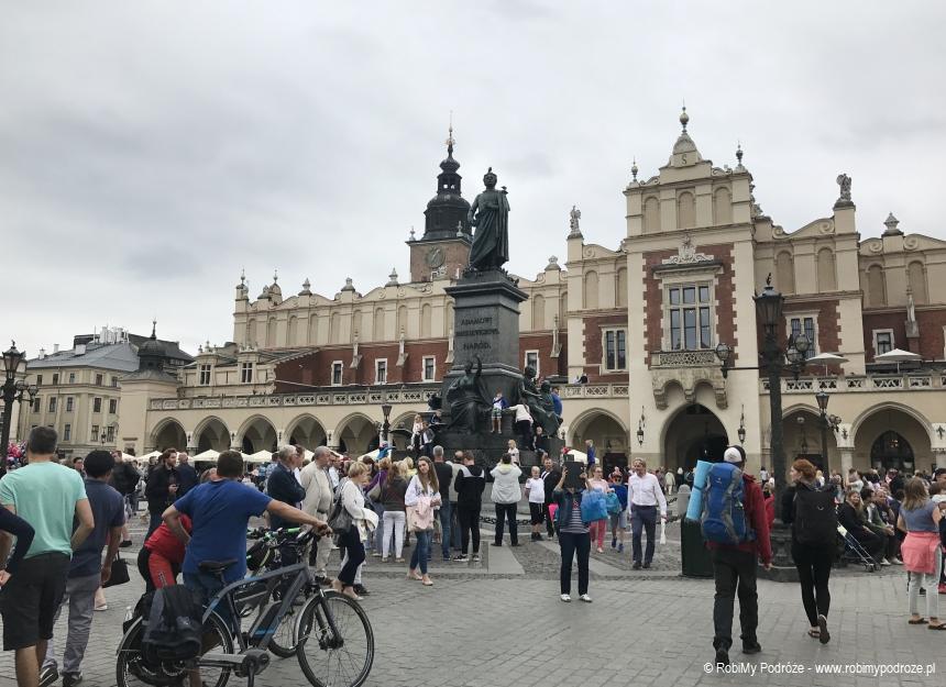 ciekawe miejsca Krakowa - pomnik Adama Mickiewicza