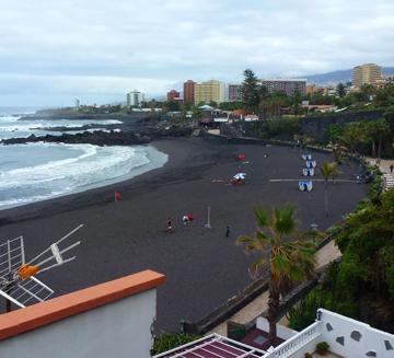Najsłynniejsza czarna plaża dla niepełnosprawnych naTeneryfie