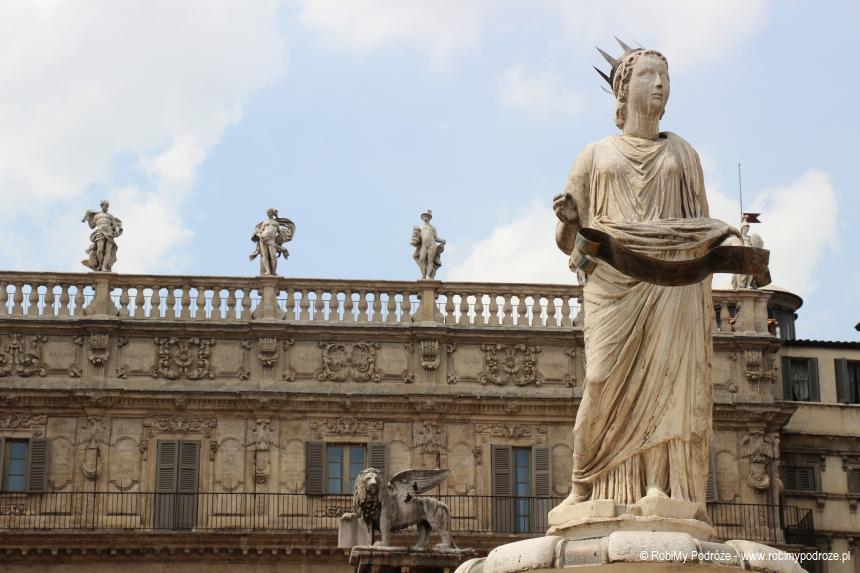 posągi naPallazzo Maffei