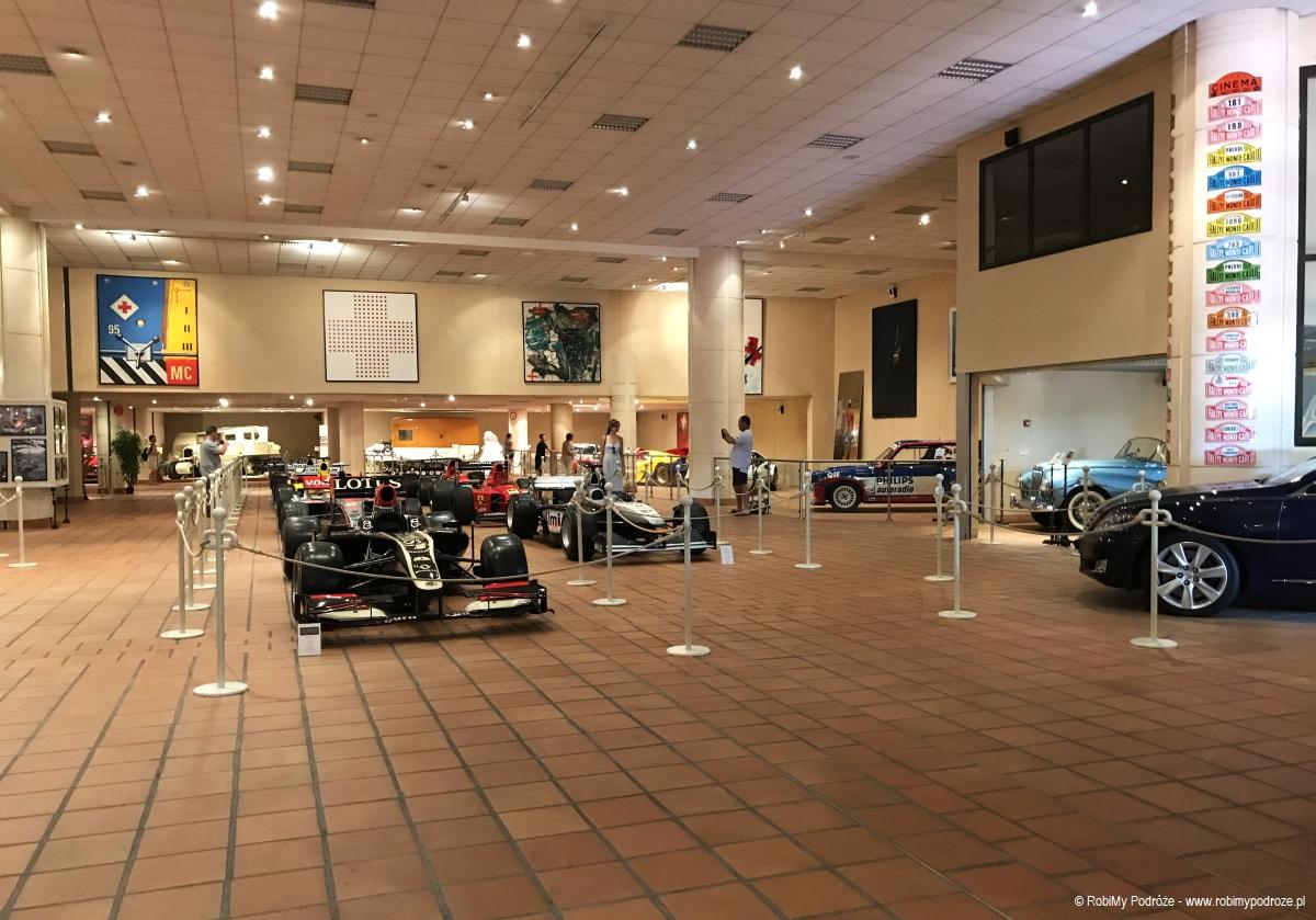 wnętrze garażu w Monako