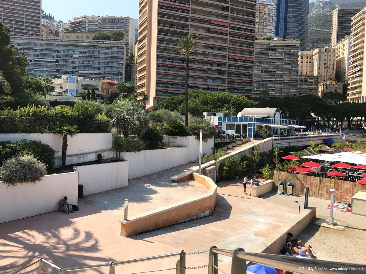 zjazd do plaży w Monako