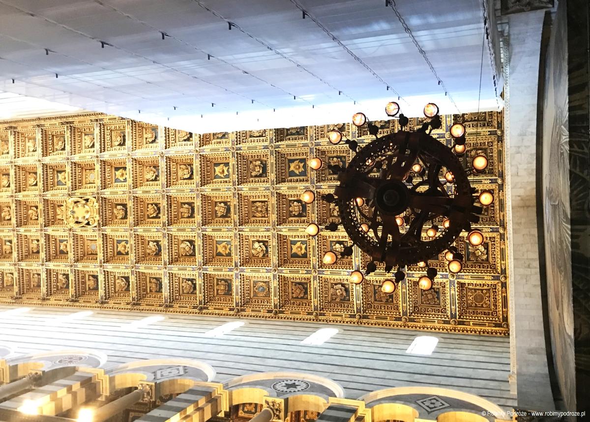 jeden dzień wPizie - Lampa Galileusza wKatedrze