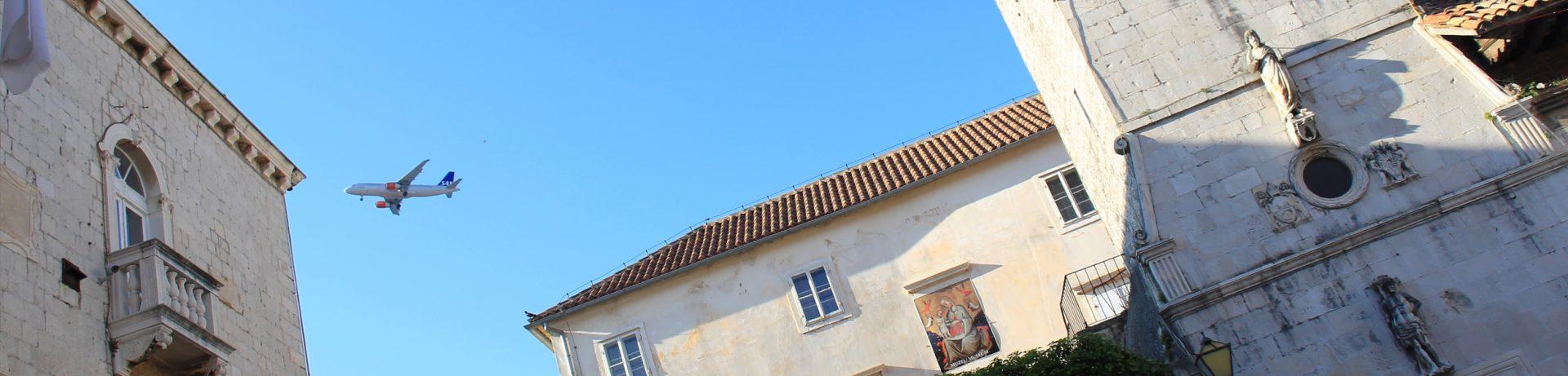 Przewodnik po Trogirze - Loggia i wieża zegarowa
