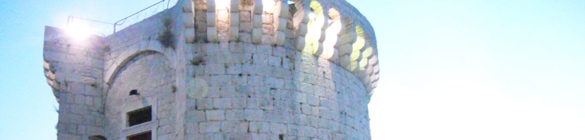 Przewodnik poTrogirze - Wieża św