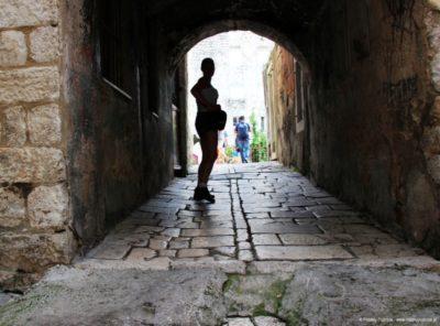 przejście na mury Split