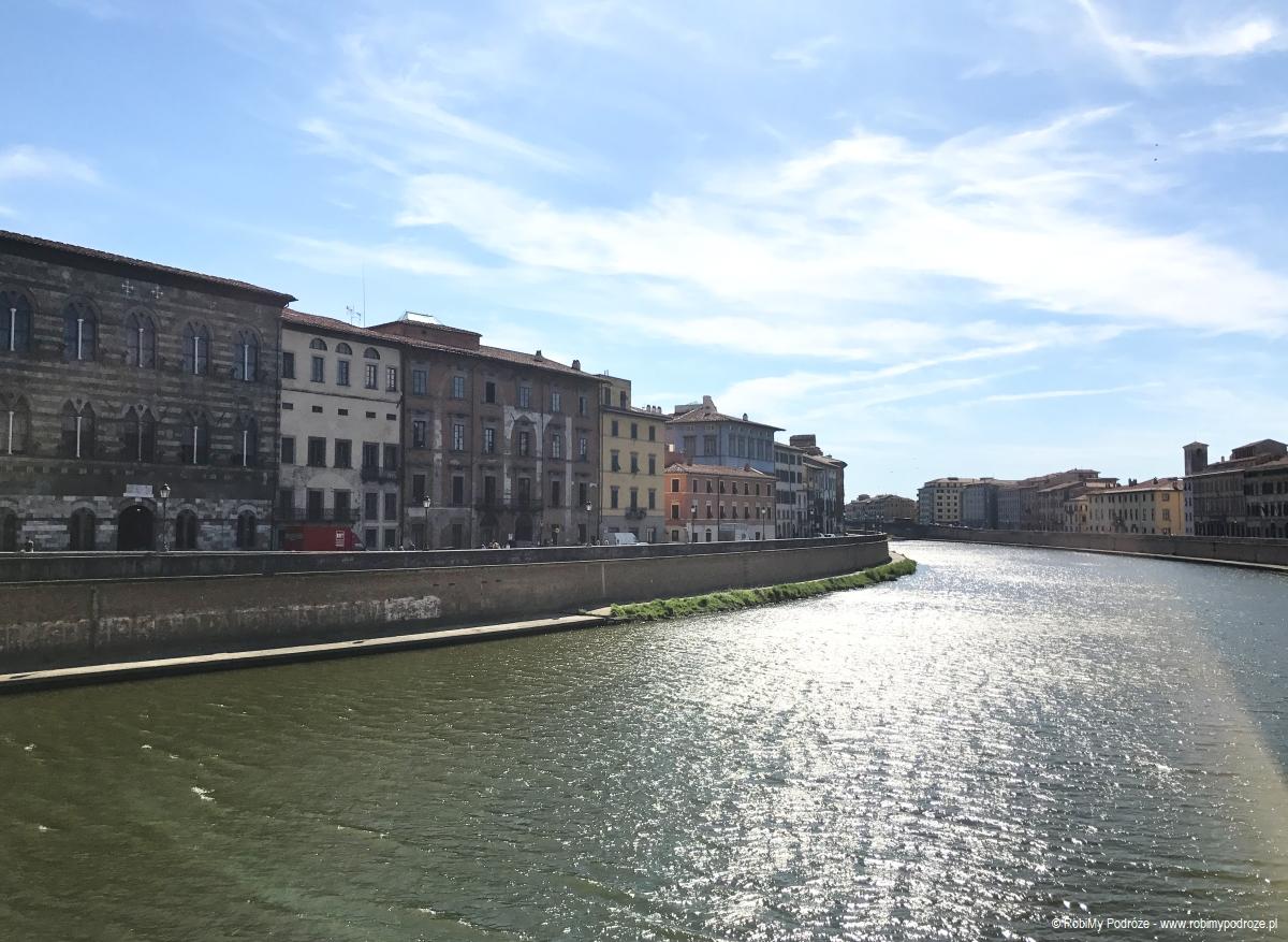 widok zmostu Ponte di Mezzo