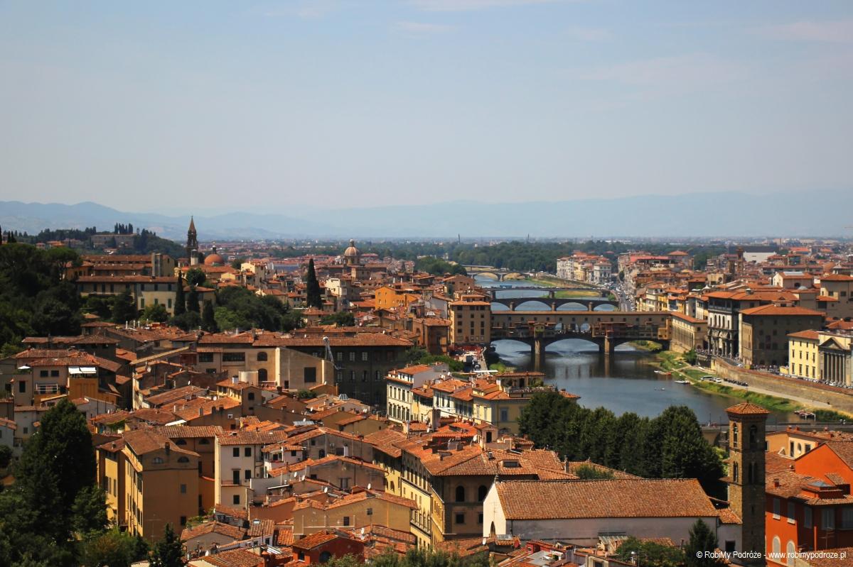Most złotników we Florencji ze wzgórza