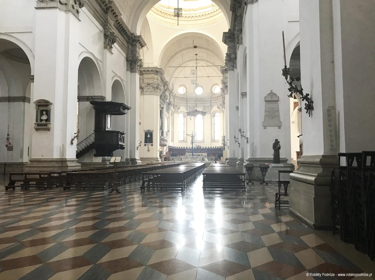 Wnętrze Katedry Matki Bożej Wniebowziętej w Padwie