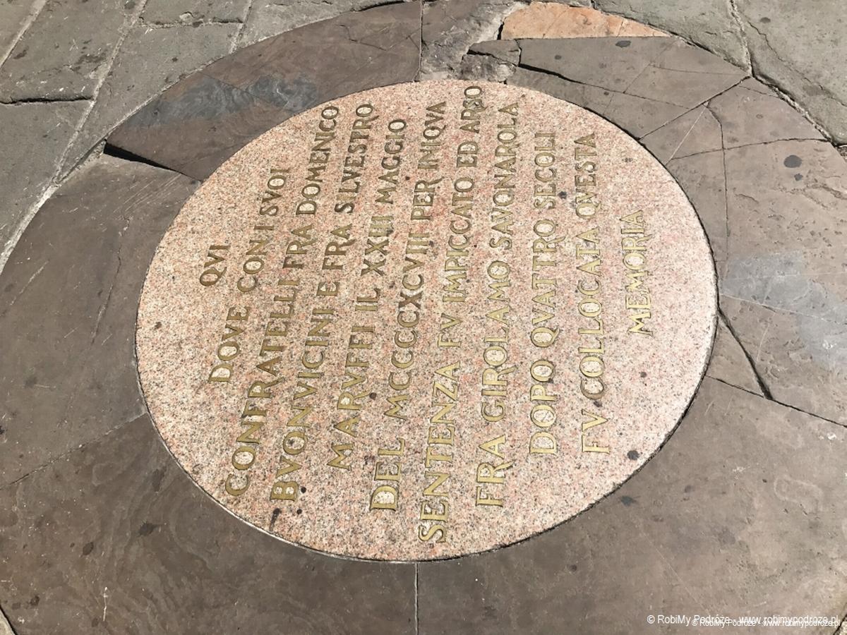 płyta na Placu Pomników