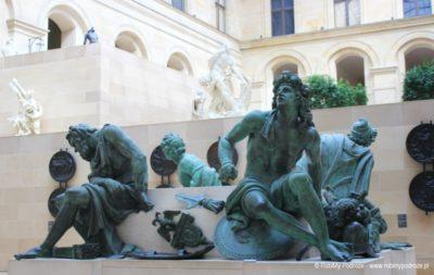 rzeźby Luwru