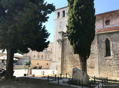 okolice Katedry Wniebowzięcia Najświętszej Maryi Panny w Puli