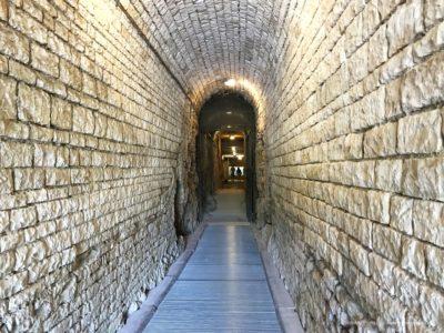 podziemia amfiteatru w Puli