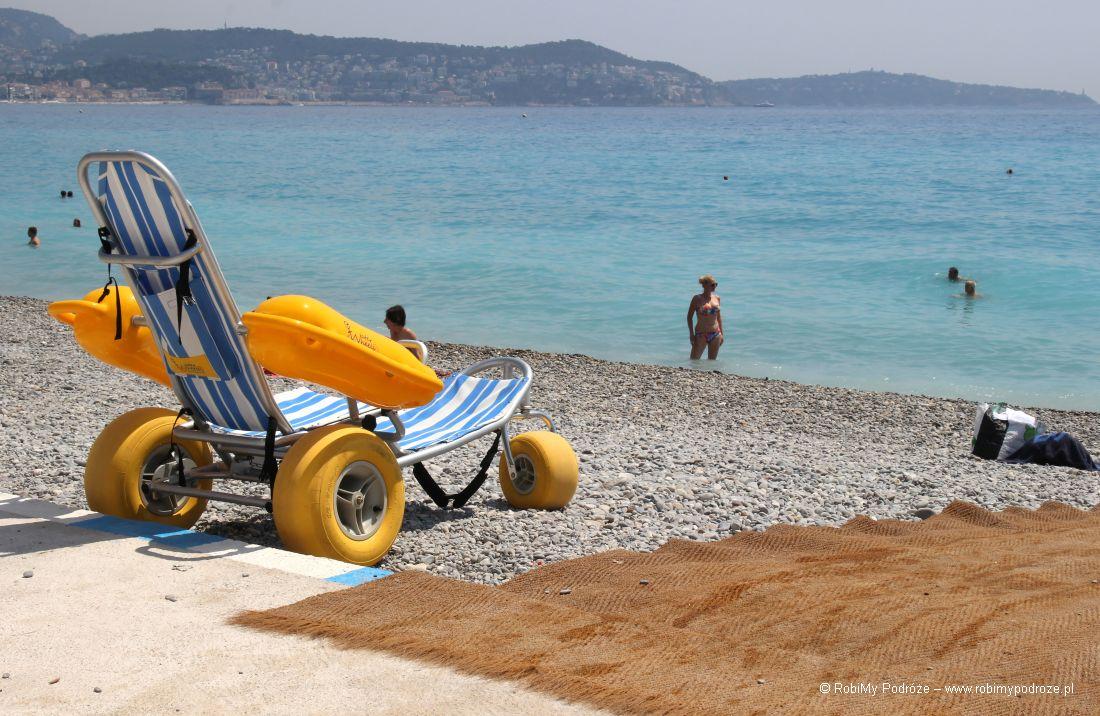 plaża dla niepełnosprawnych - wózek do wody