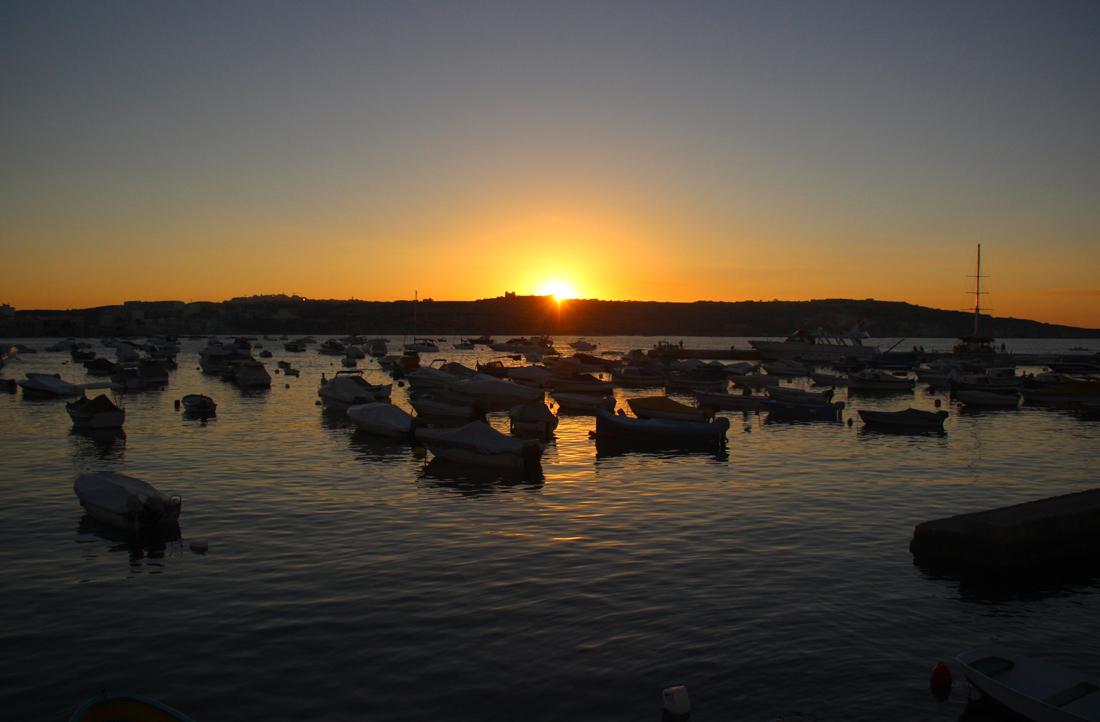 Życie nocne na Malcie - zachód słońca