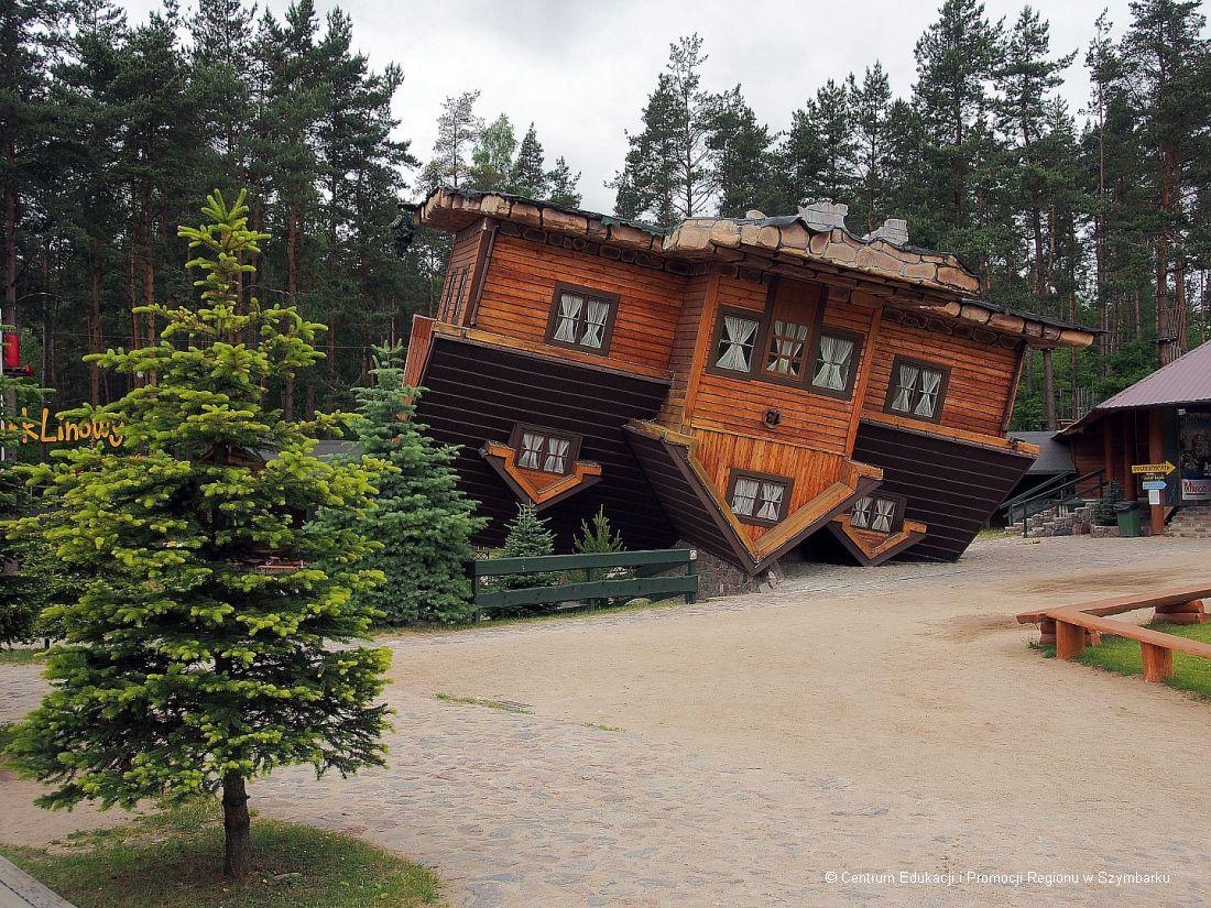 Dom do góry nogami na Kaszubach