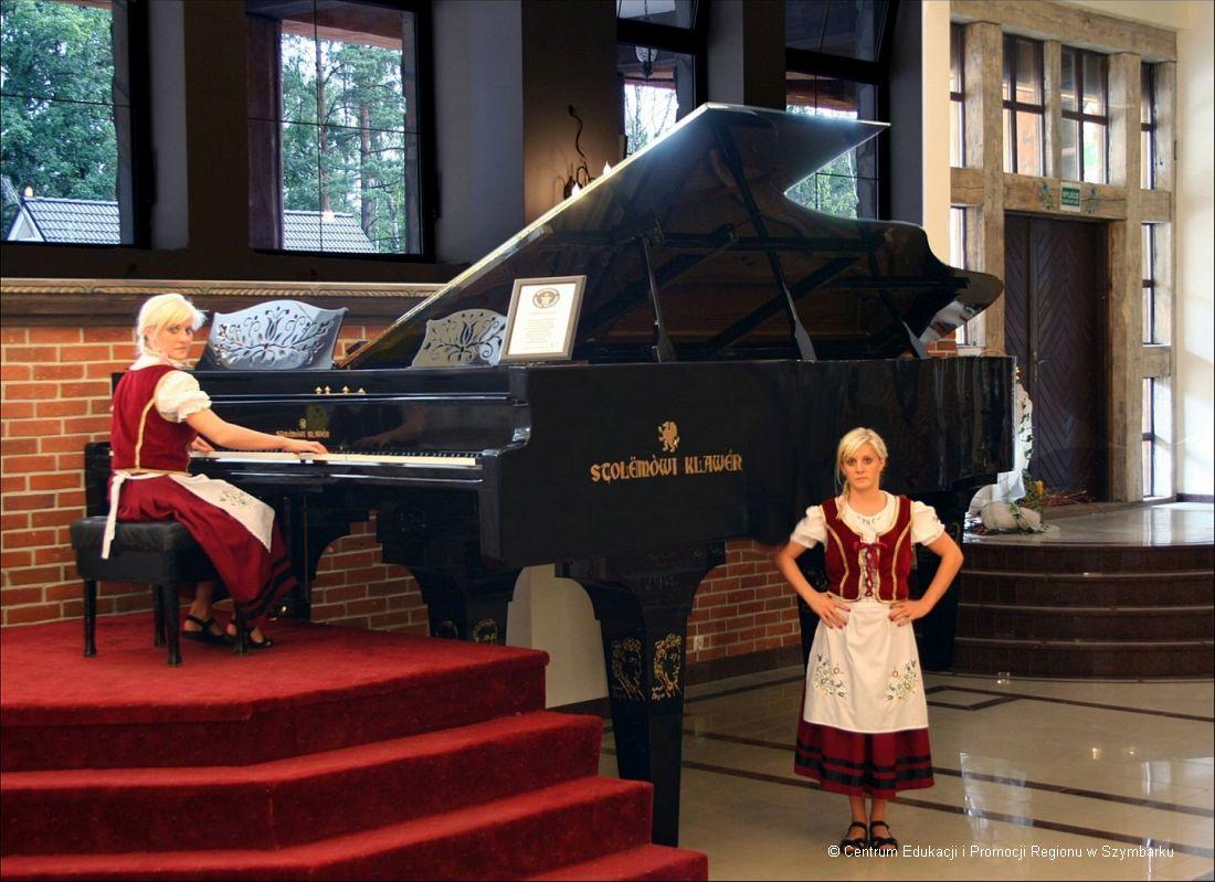 największy fortepian na Kaszubach