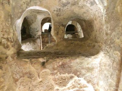 wnętrze katakumb naMalcie