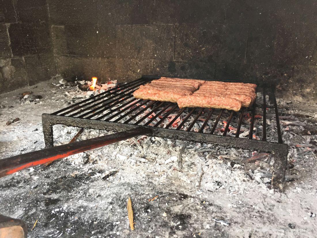 zrobić wChorwacji grilla