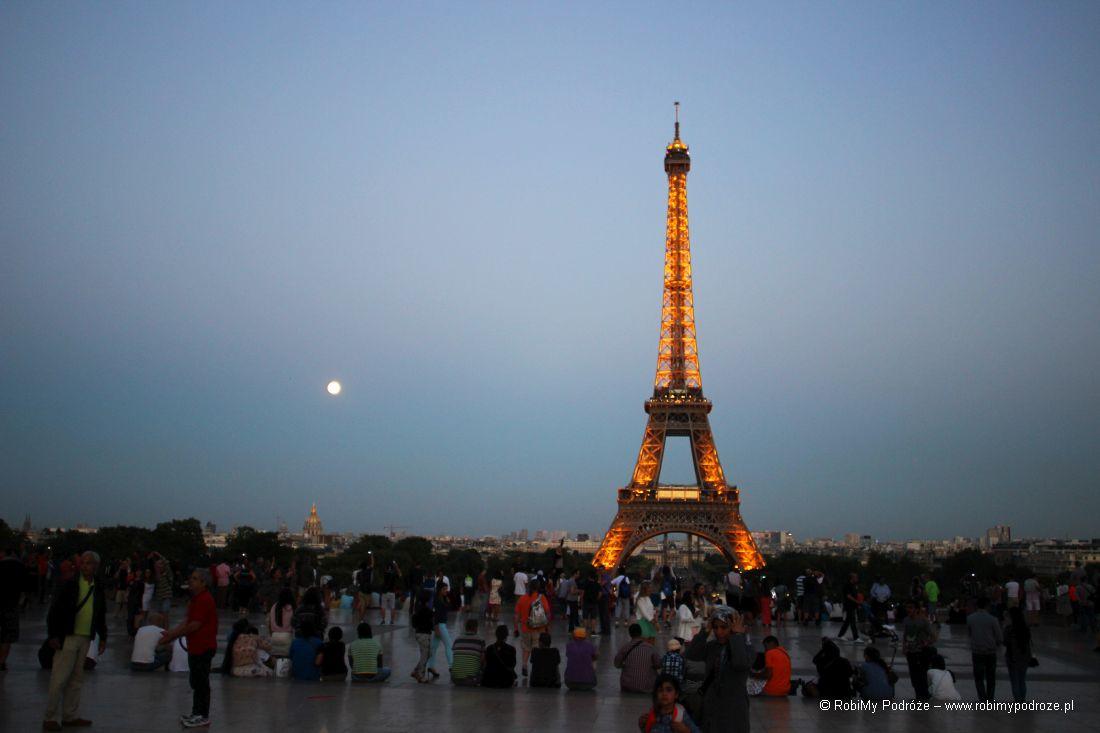 ciekawostek oParyżu - wieża eiffla dousunięcia