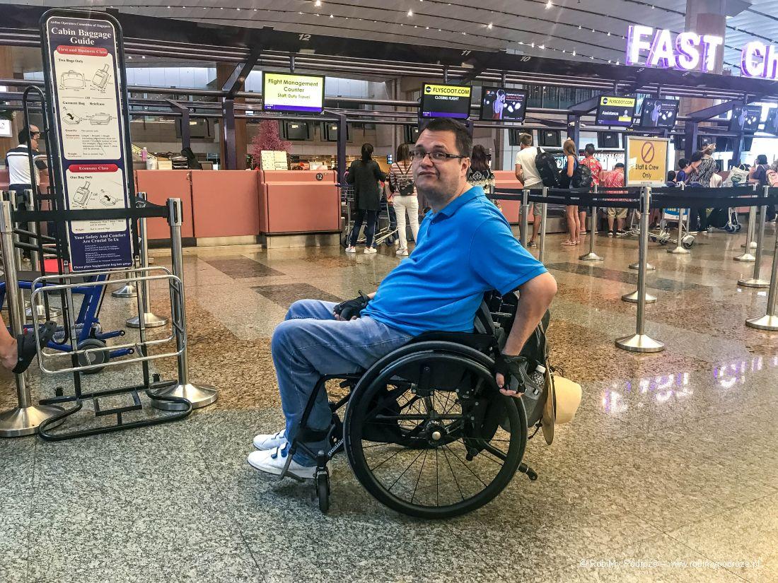 niepełnosprawny nalotnisku Changi