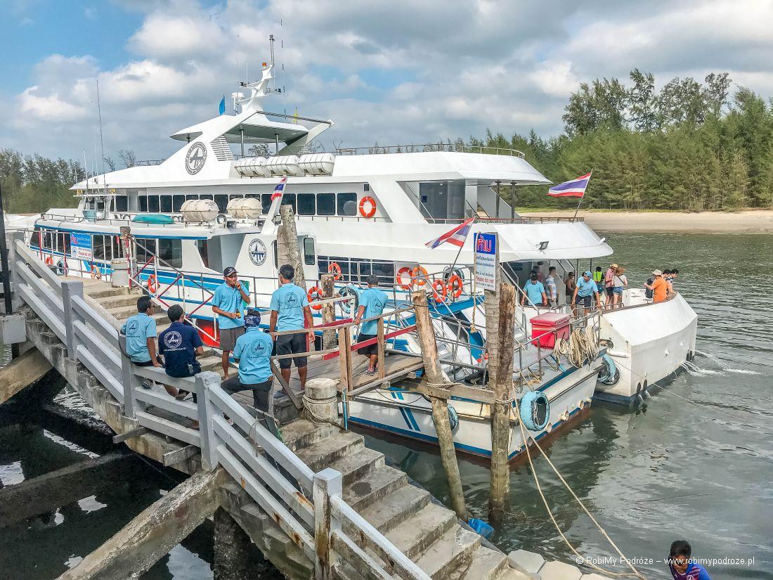 prom phuket ferry