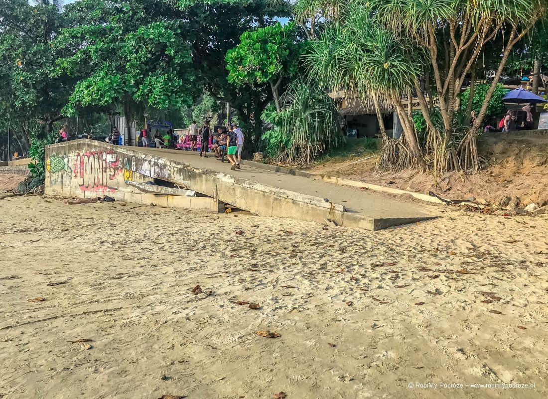 zejście dla niepełnosprawnych naAo Nang Beach