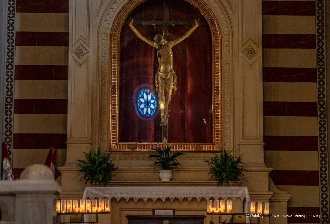 krzyż zJezusem Cortona