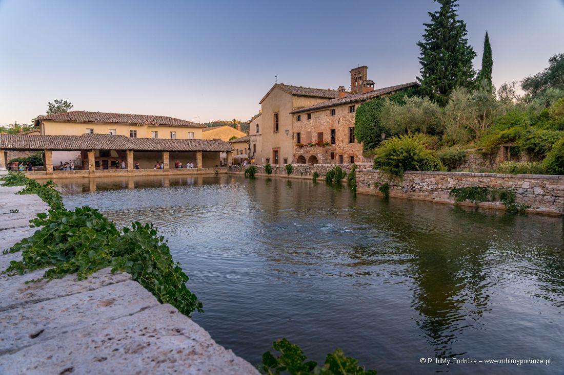 termalny basen wBagno Vignoni