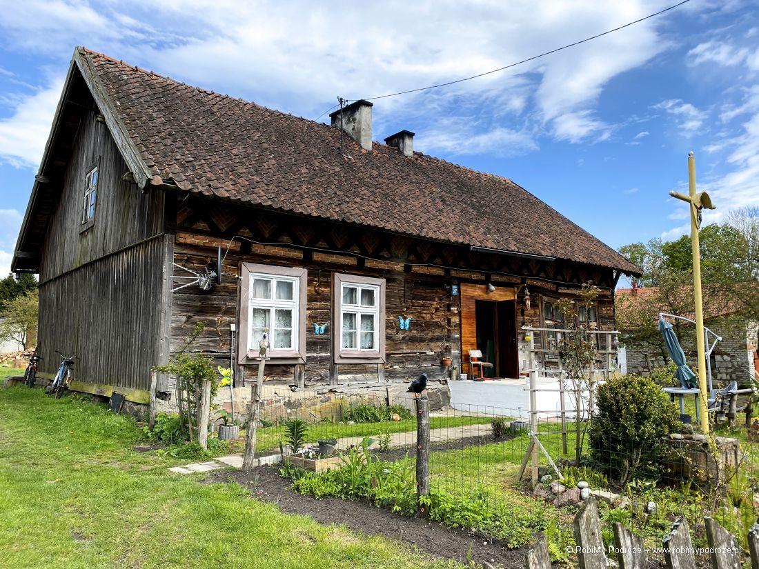 Drewniana chata wButrynach