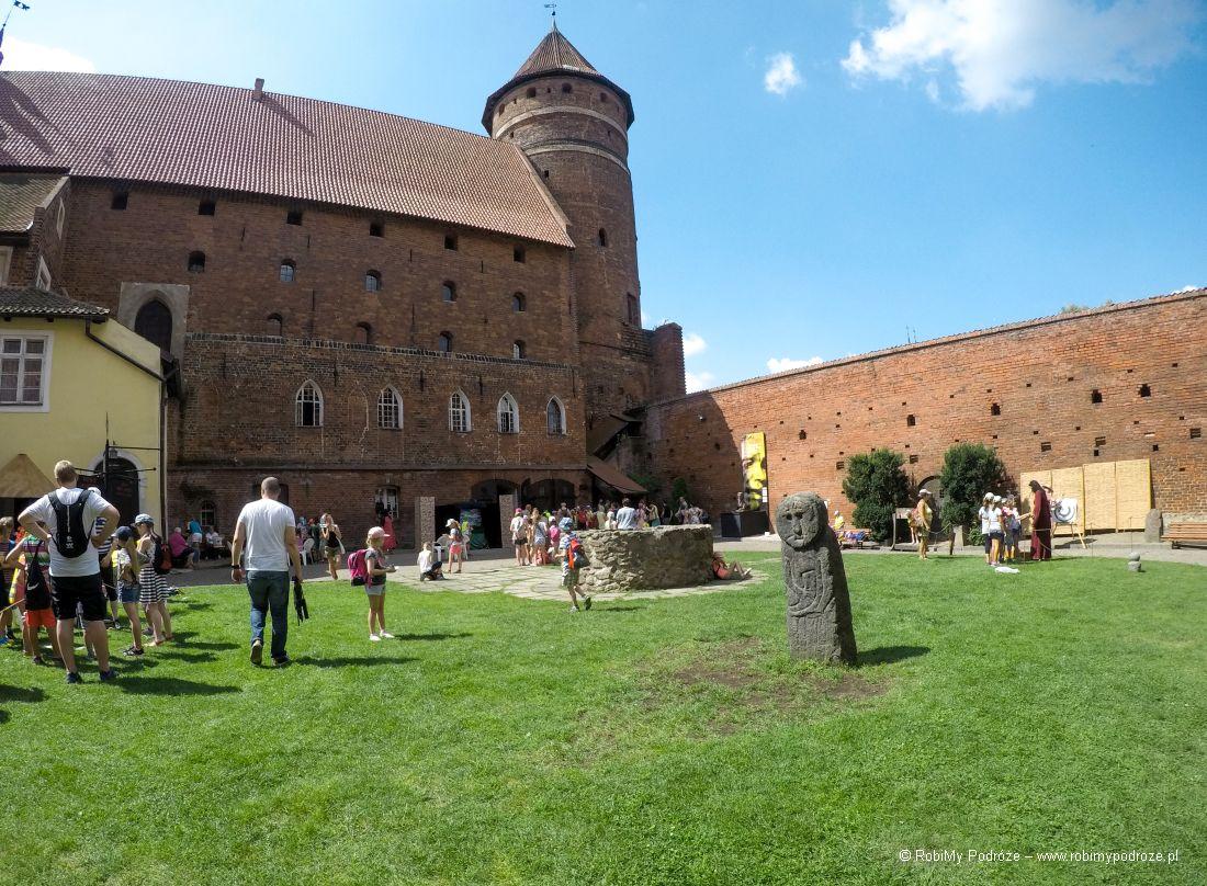 dziedziniec zamku ibaba pruska