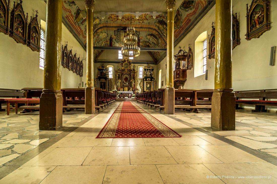 wnętrze kościoła wKlewkach