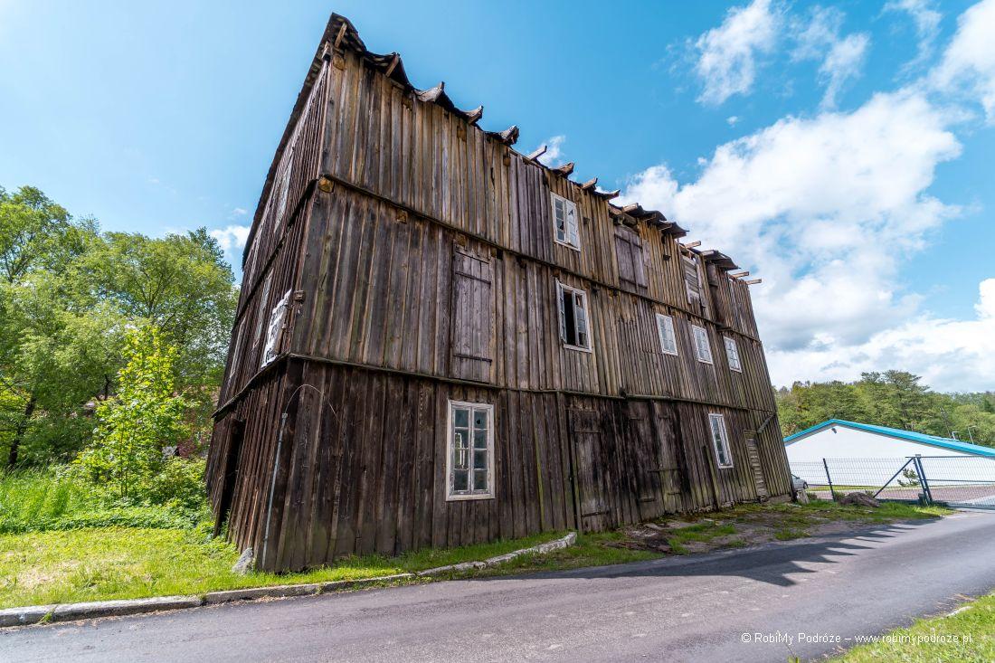 zabudowania drewniane wRusi - Szwajcarii naWarmii
