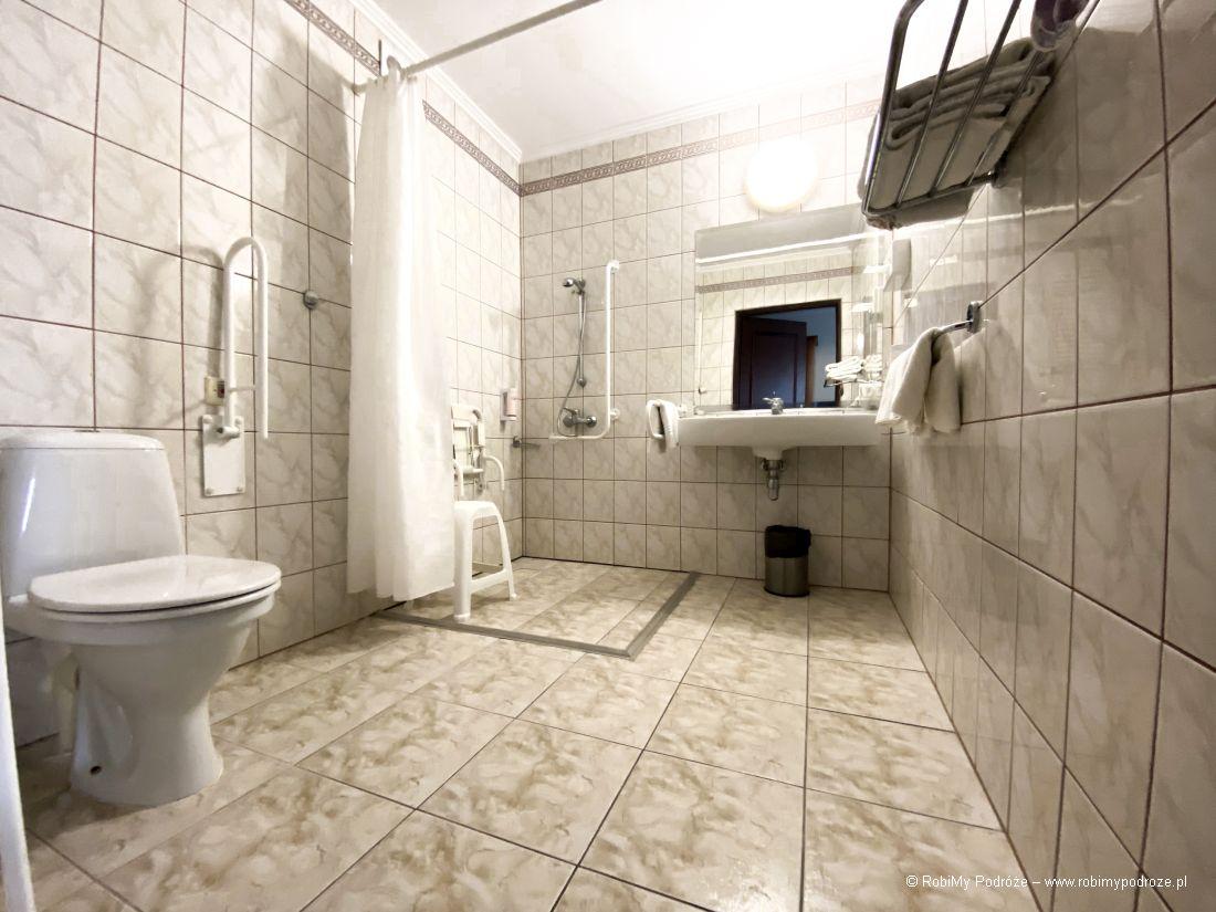 dostosowana łazienka whotelu