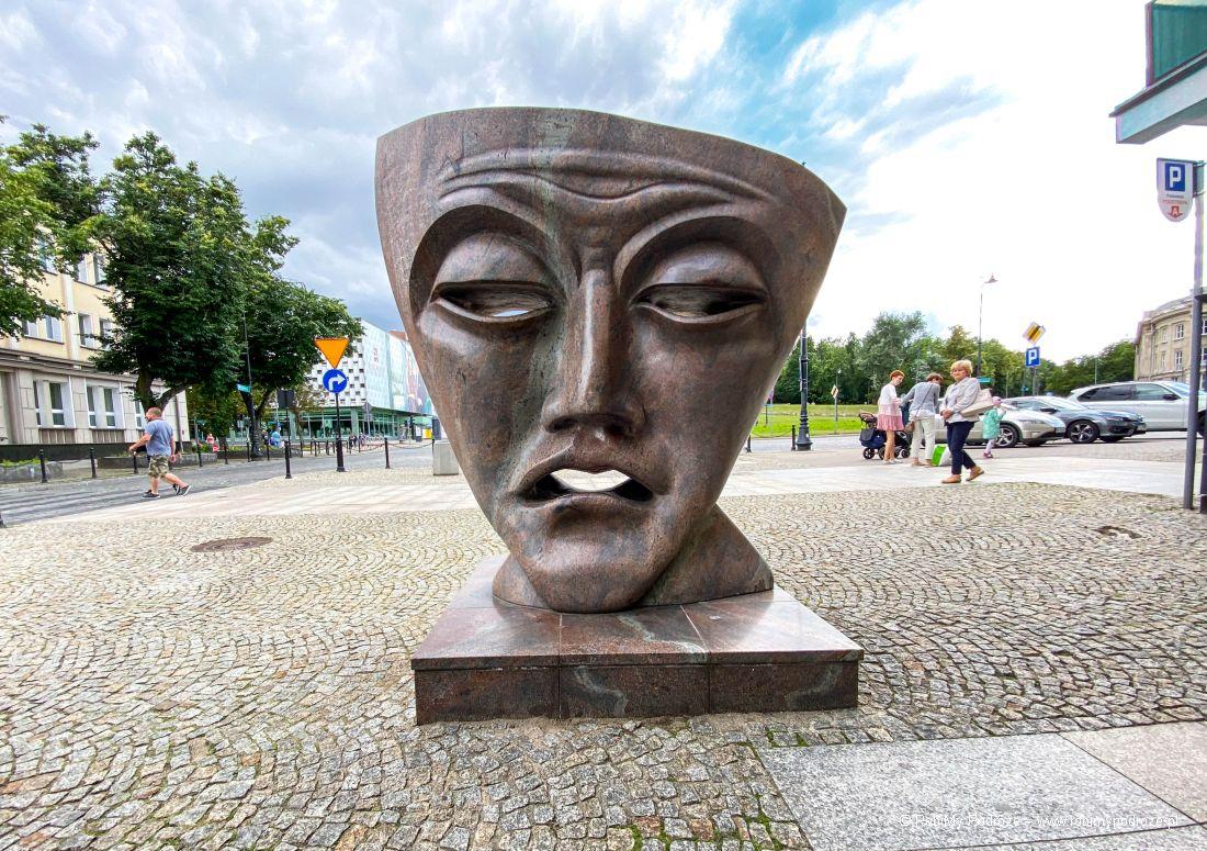 Maska Teatralna toatrakcja Białegostoku