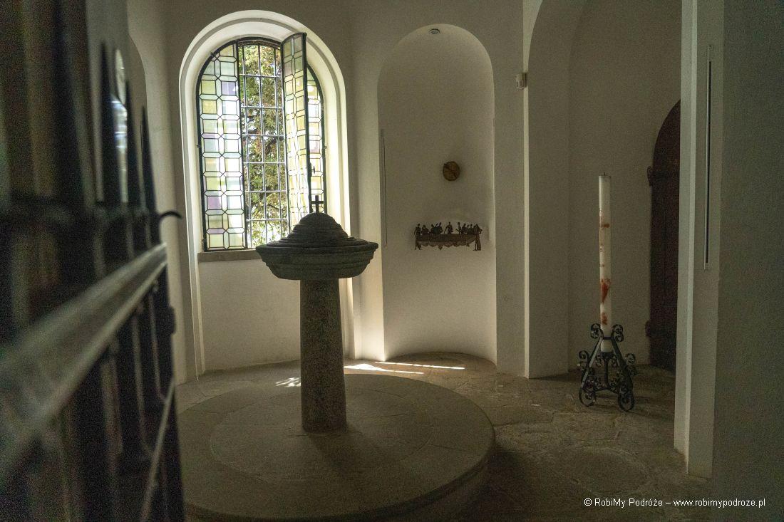 chrzcielnica irzeźby
