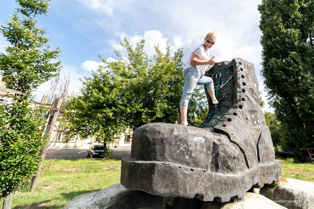 pomnik glana wJarocinie