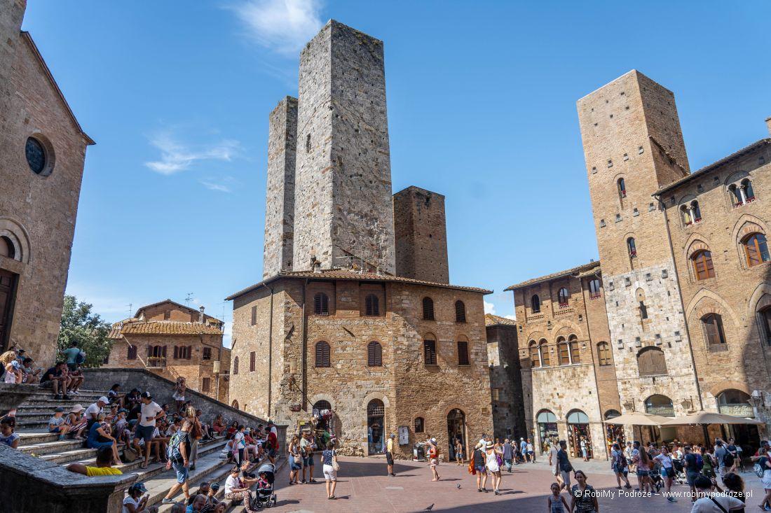 Piazza del Duomo wSan Gimignano