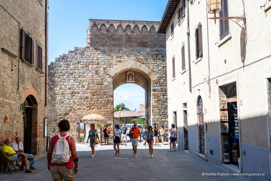 Porta San Matteo wSan Gimignano