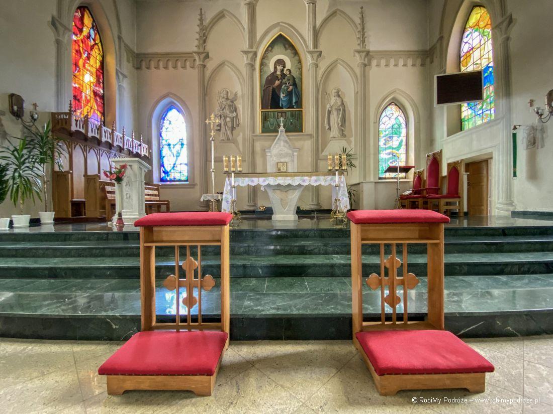 ołtarz główny kościoła